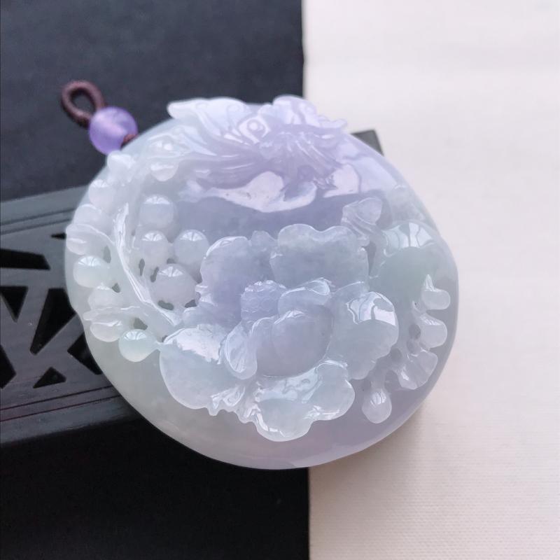 天然翡翠A货细糯种紫罗兰花开富贵吊坠,尺寸50.9*44.3*14.3mm,玉质细腻,底色漂亮,上身