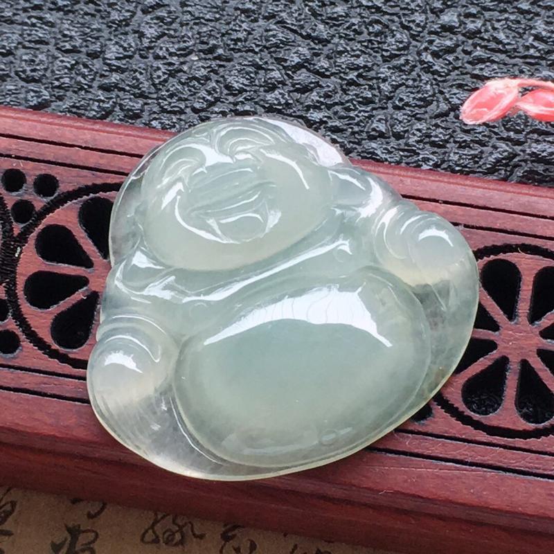 缅甸翡翠佛公吊坠,自然光实拍,颜色漂亮,玉质莹润,佩戴佳品,尺寸:24.4*25.7*4.5mm,重