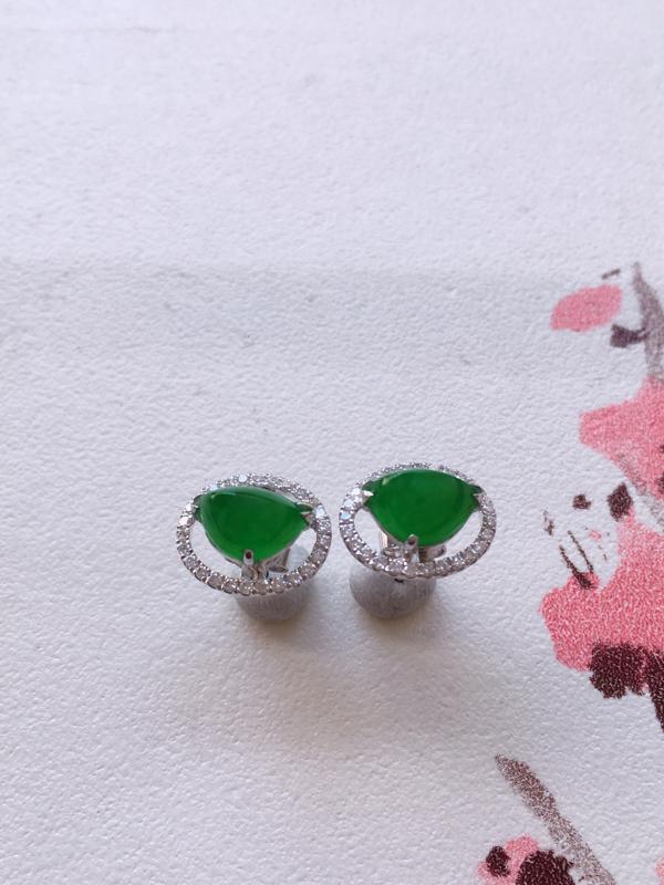 缅甸a货翡翠,18k金伴足反钻豪华镶嵌满绿戒面耳钉耳饰耳坠,料子细腻,颜色辣绿,种色一流,佩戴高端大