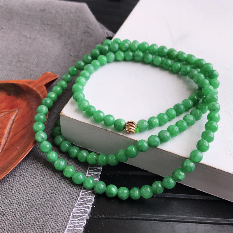 满绿福气项链天然翡翠A货,尺寸:5.6mm,扣头是装饰品