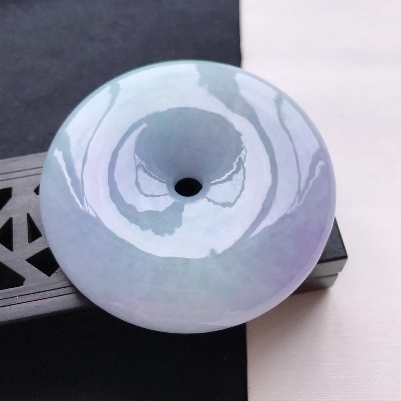 天然翡翠A货细糯种紫罗兰平安扣吊坠,尺寸54.8*13mm,玉质细腻,底色漂亮,上身效果好看
