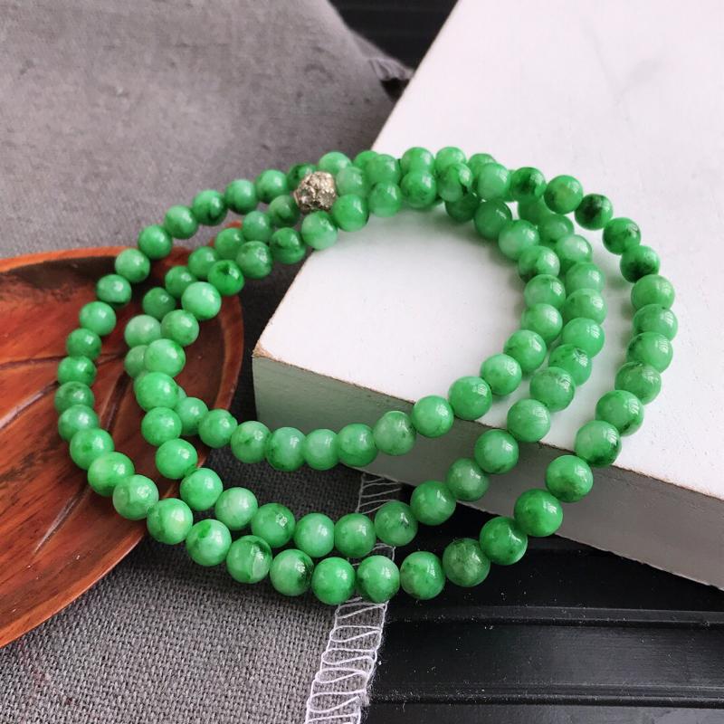 飘绿花福气项链天然翡翠A货,尺寸:5.4mm,扣头是装饰品