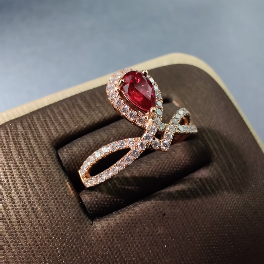 【【戒指】18k金+红宝石+钻石 宝石颜色深邃 款式典雅 主石:0.51ct  货重:2.86g##**】图2