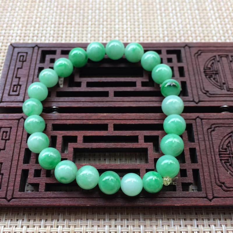 天然缅甸苹果绿翡翠珠链 尺寸:8 无纹裂,色泽优美
