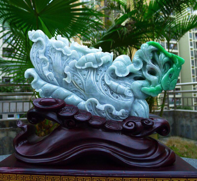 缅甸天然翡翠飘阳绿 大白菜摆件八方来财 财源广进 步步高升 升官发财 寓意吉祥如意 雕刻精美线条流畅