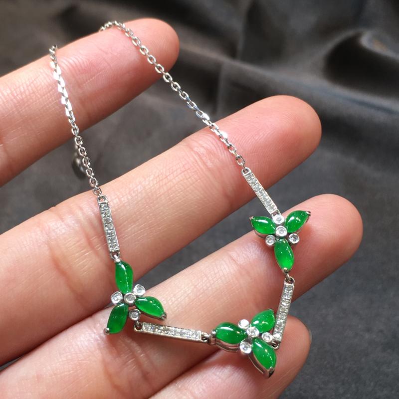 阳绿手链,完美,底庄细腻,18K白金南非真钻镶嵌,性价比高,推荐,尺寸9.7*11*4.8/4.7*