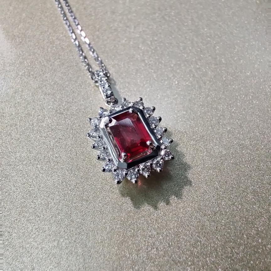 【吊坠】18k金+红宝石+钻石 (不含链子)宝石颜色纯正 主石:0.45ct  货重:1.65g