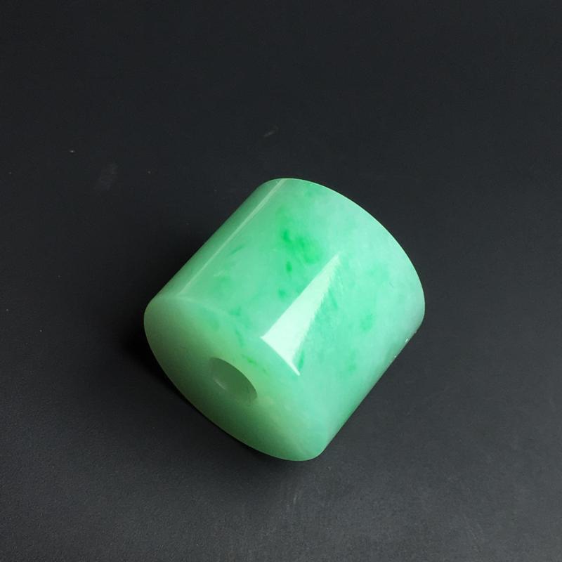 【路路通】色泽艳丽  玉质细腻  饱满厚实  品相佳  尺寸13-16毫米