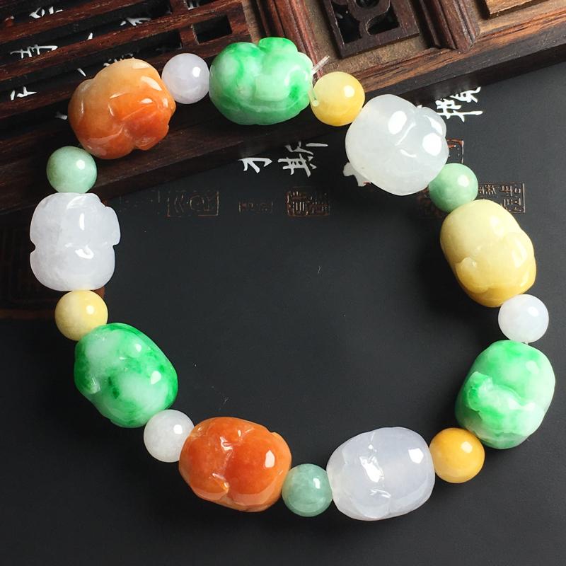 糯种三彩招财猪手串 裸石尺寸14-13-11毫米 玉质水润 色彩亮丽 配珠为翡翠