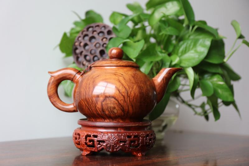 正宗海南黄花梨老油梨(茶壶)水波纹理、纹理清晰、材质细腻、规格:长245mm 高137mm 宽154