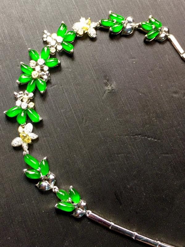 精品绿手链,单粒尺寸5.5-2.5-2.2mm,手链总长156+15mm, 重金精镶,品质不错,种水