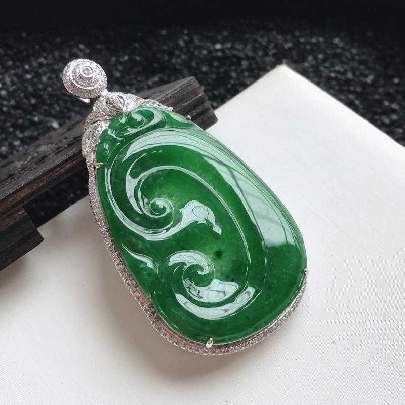 🙏缅甸天然翡翠A货   18k金钻豪华镶嵌满绿如意吊坠,克重15.49,整体尺寸:57.4*31.4