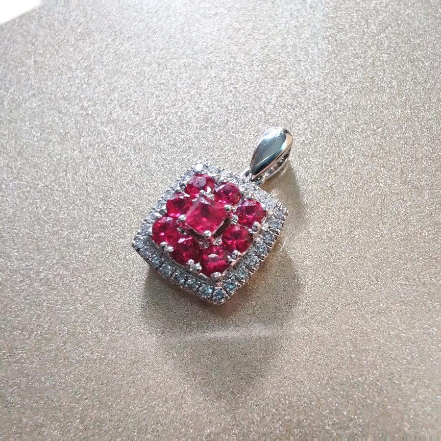 【【吊坠】18k金+红宝石+钻石(不含链子)宝石色泽艳丽  主石:0.11ct/1p+0.44ct/8p  货重:2.24g##**】图3