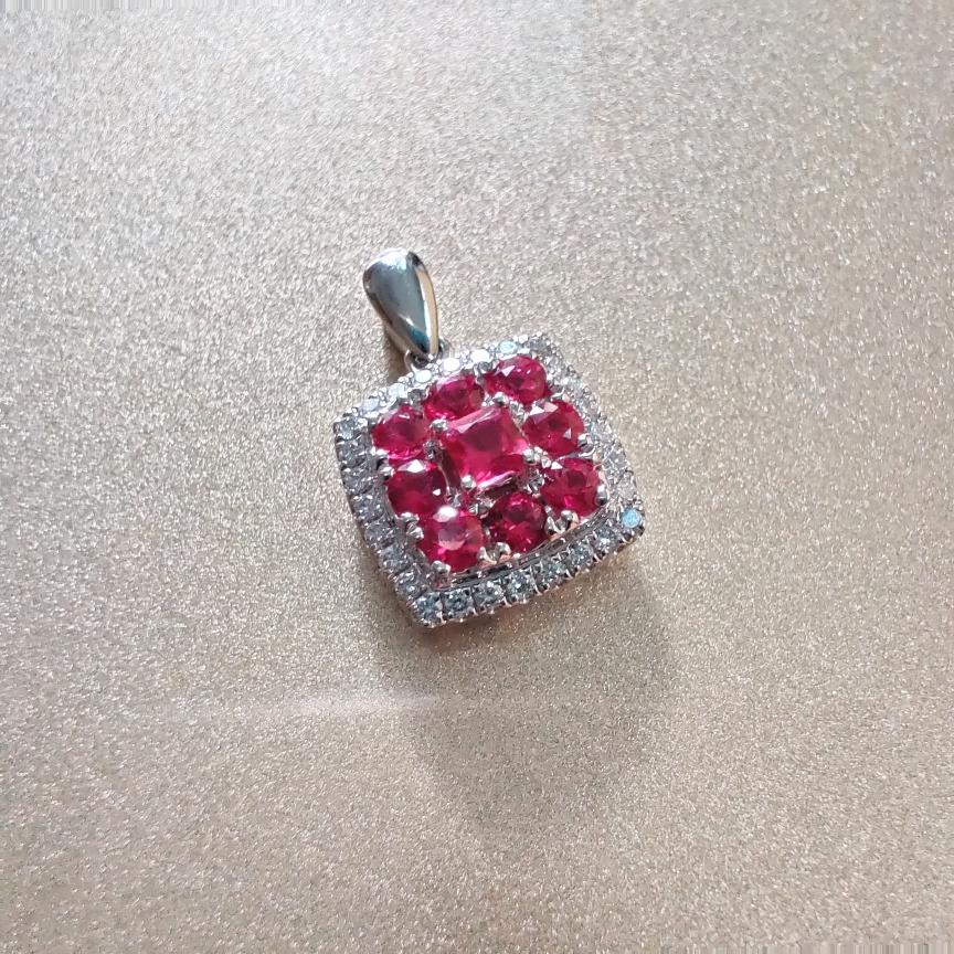 【吊坠】18k金+红宝石+钻石(不含链子)宝石色泽艳丽