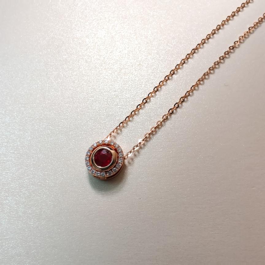 【项链】18k金+无烧红宝石+钻石 宝石颜色纯正深邃 货重:3.05g  主石:0.37ct