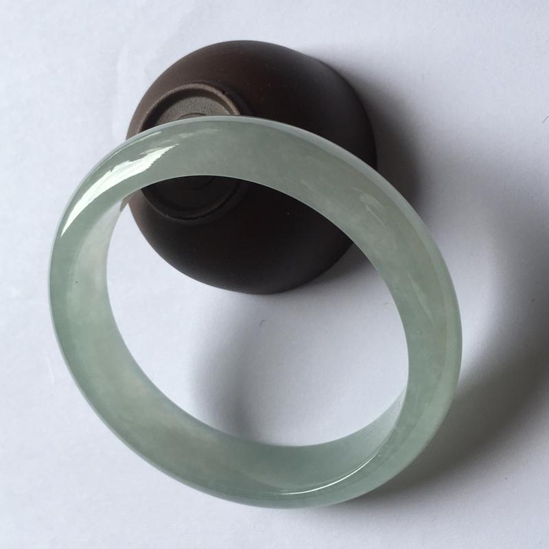 天然翡翠A货糯化种满圈晴底正圈手镯,干净水润 条型大方  尺寸:59.8*14.6*7.9mm