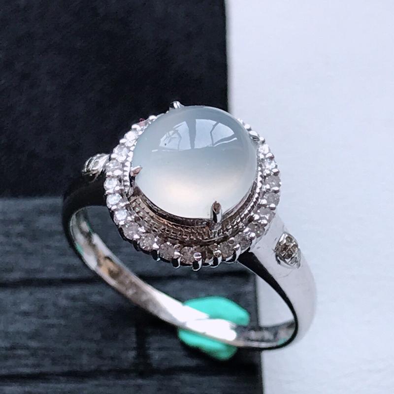 天然翡翠A货18K金镶嵌伴钻冰糯种白冰精美蛋面戒指,内径尺寸18.3mm,裸石尺寸7.6-3.3mm