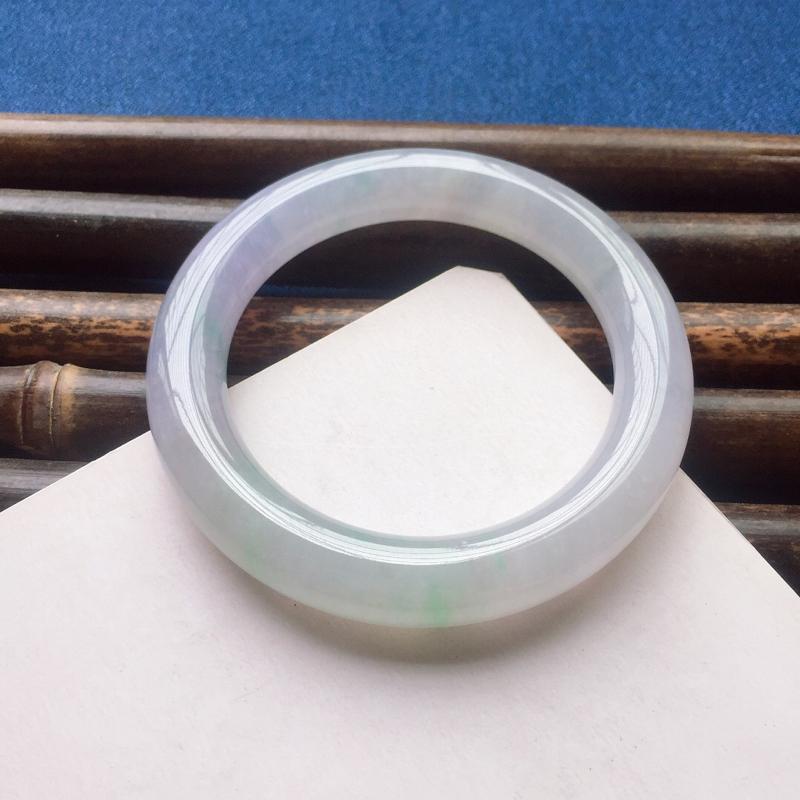 圆条57mm,糯化种春带彩手镯,冰润起胶,清新甜美