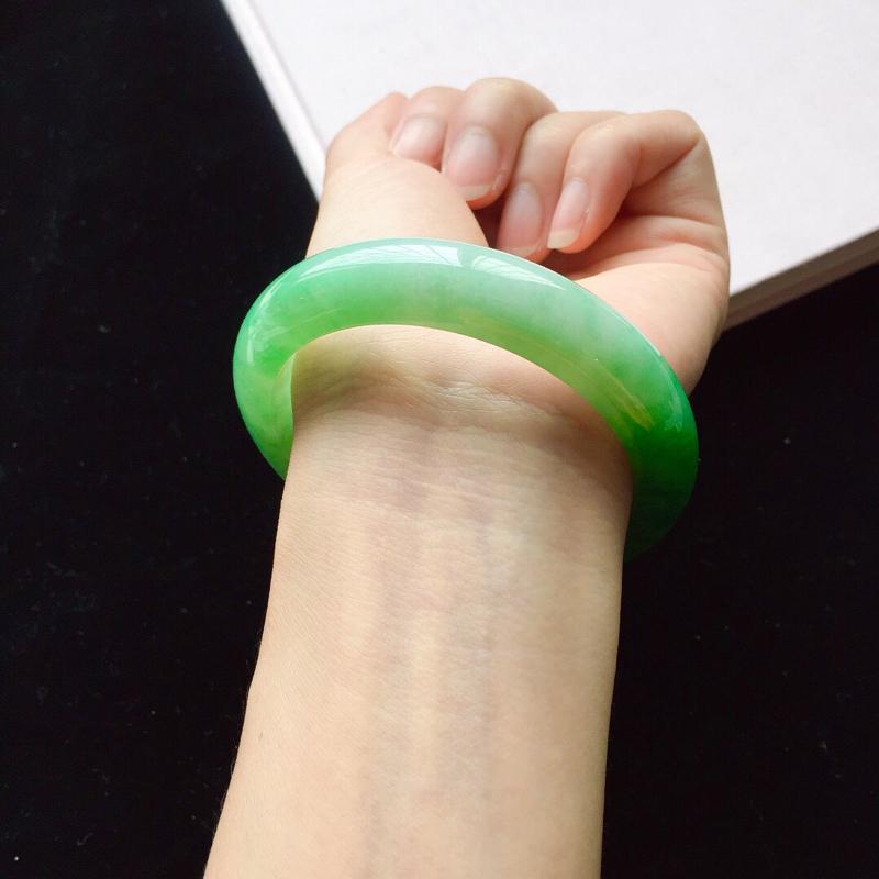 【【原价28.3万元】*正圈55.2mm,细糯阳绿手镯,底子细腻,近满圈阳绿,青翠苍绿】图8