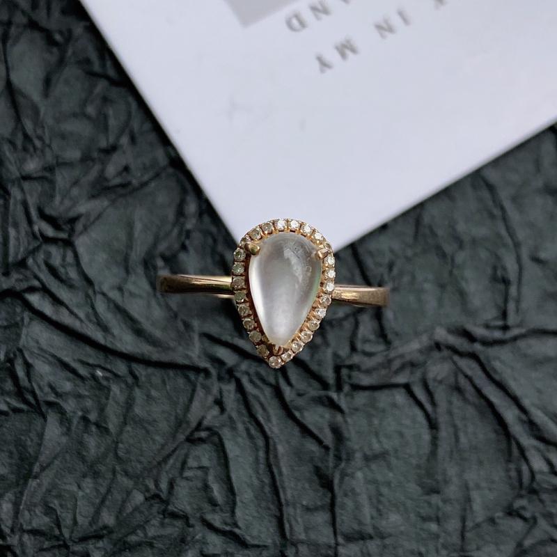 天然翡翠A货镶嵌18k金伴钻福气戒指,内径尺寸:18.3mm,含金尺寸:10.5*7.2*6.9mm