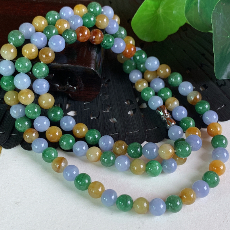 天然翡翠A货-三彩圆珠项链_种好,玉质细腻,水头饱满,色彩迷人,形体漂亮,水润精致,上身效果极佳,尺