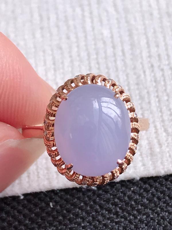 镶嵌18K金伴钻,缅甸天然老坑翡翠A货紫罗兰福气戒指,裸石尺寸11.7*9.7*4.5,料子细腻,指