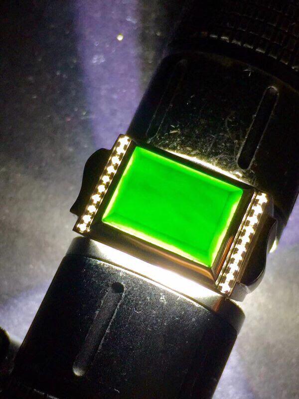 墨翠【男款戒指】18K金+南非钻镶嵌,完美无裂纹,细腻干净,黑度极黑,性价比高,做工精致,打灯透绿