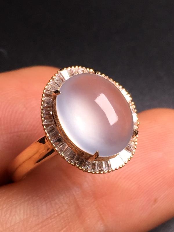 -玻璃种蛋面戒指,18k真金真钻镶嵌,完美,种水超好,玉质细腻。整体尺寸:15.112.99.3