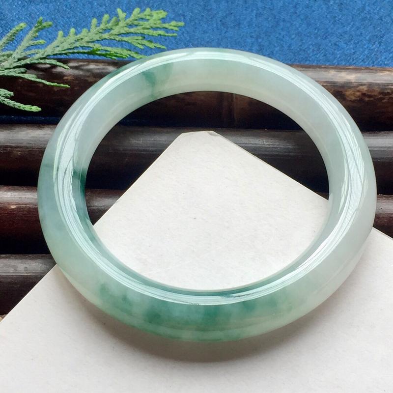 圆条54.5mm,细糯蓝花手镯,底子水润饱满,优雅端庄