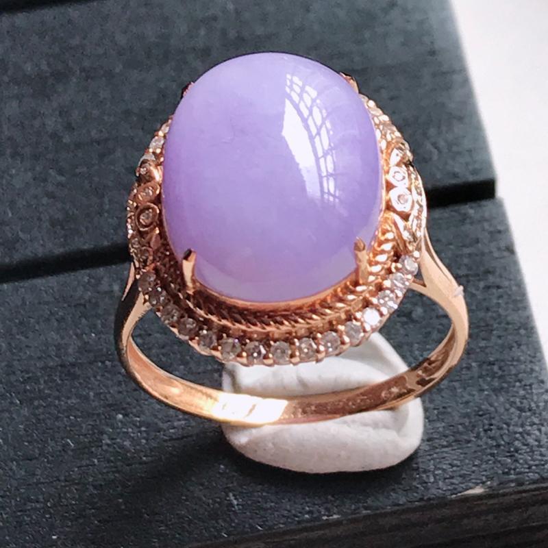 翡翠A货,18K金镶嵌满色紫罗兰蛋面戒指 玉质细腻,底色漂亮,上身高贵 尺寸内径17.9,裸石14.