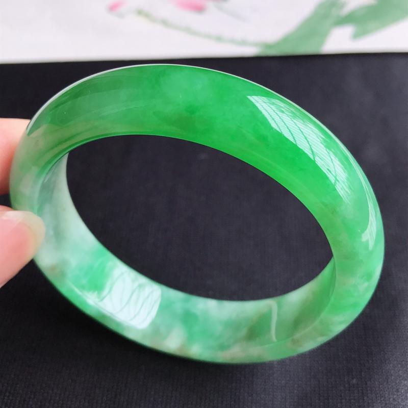 圈口56mm天然翡翠A货老坑细糯种阳绿正圈手镯,圈口:56.5×15.2×7.8mm,料子细腻,水头