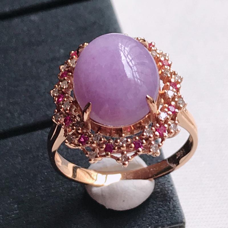 翡翠A货,18K金镶嵌满色紫罗兰蛋面戒指 玉质细腻,底色漂亮,上身高贵,尺寸内径17.8,裸石12.