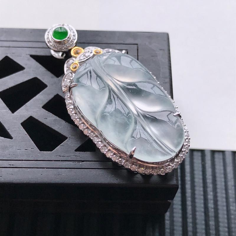 天然翡翠A货18K金镶嵌伴钻冰种白冰精美金枝玉叶吊坠,含金尺寸37-18-8.3 mm,裸石尺寸24