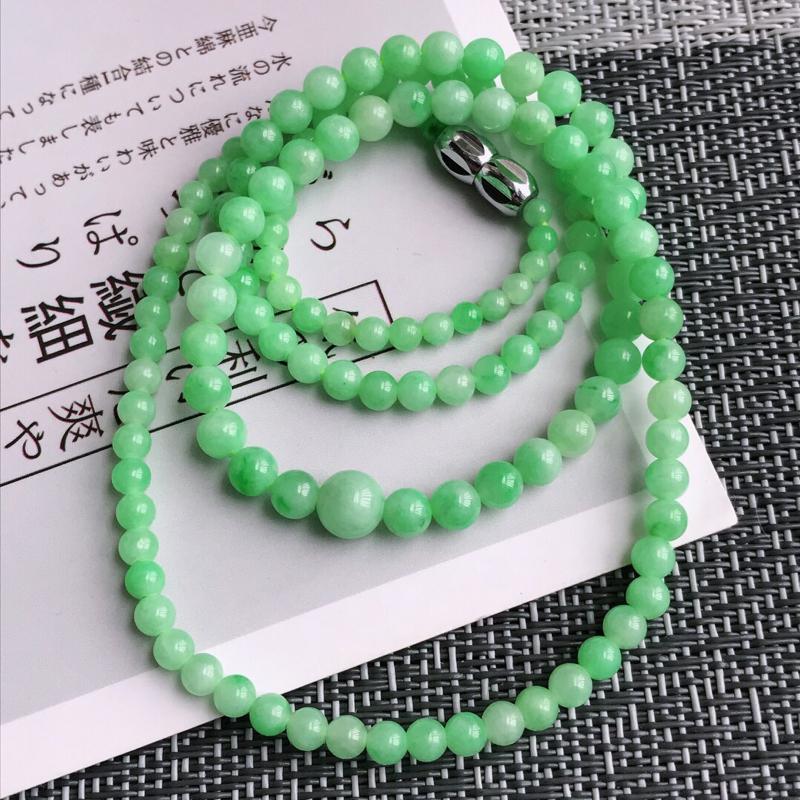 满绿福气项链天然翡翠A货,尺寸:4.5mm,扣头是装饰品