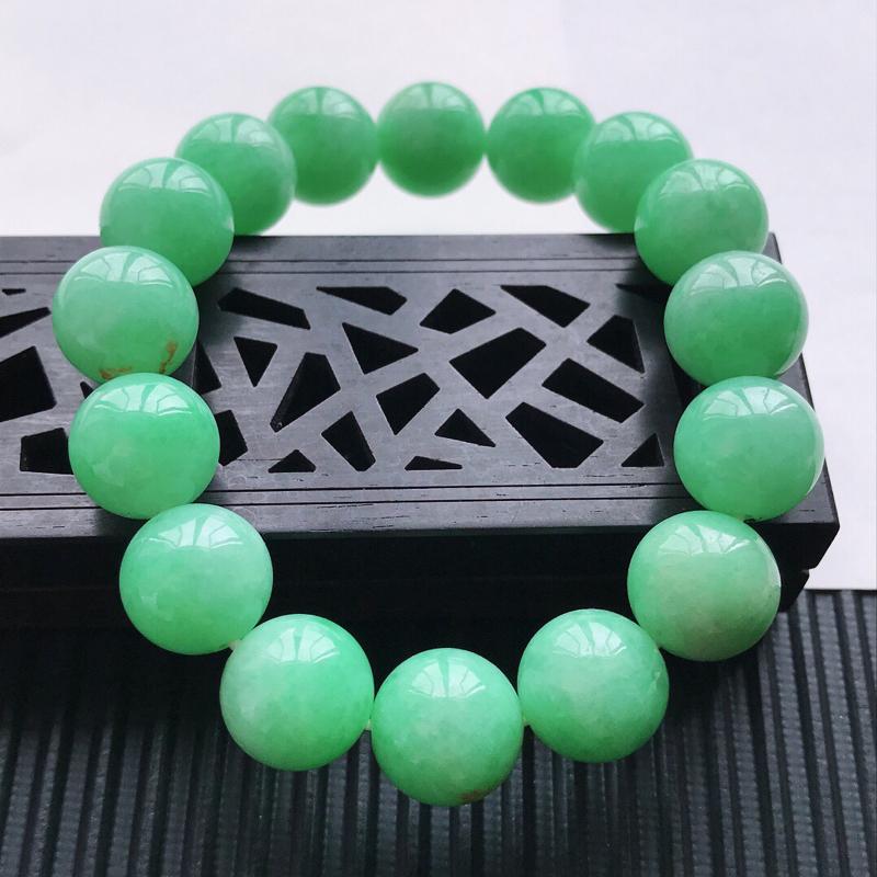 天然翡翠A货细糯种满绿精美圆珠手链,尺寸12.7 mm,玉质细腻,种水好上身效果漂亮