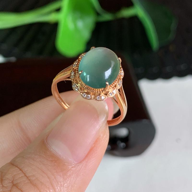 天然翡翠A货-油绿18K金镶嵌蛋面戒指_种好,玉质细腻,水头饱满,色彩鲜艳,形体漂亮,水润精致,上手