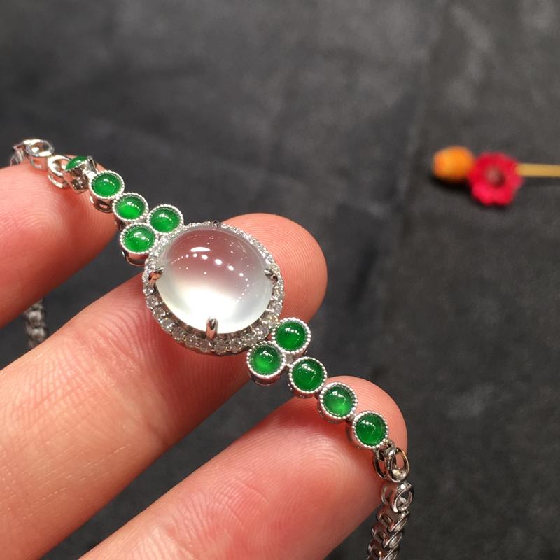 冰加绿手链,完美起光,底庄细腻,18K白金南非真钻镶嵌,性价比高,推荐,尺寸11*9.6*5.5mm