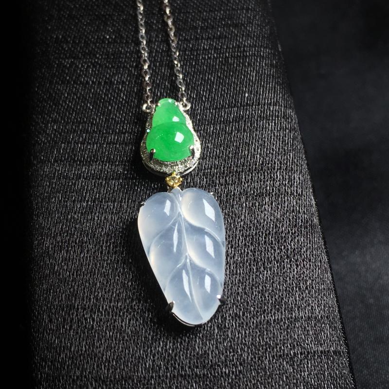 翡翠a货,冰糯种福叶➕满绿葫芦锁骨链,18k金镶嵌,种水一流,佩戴精美