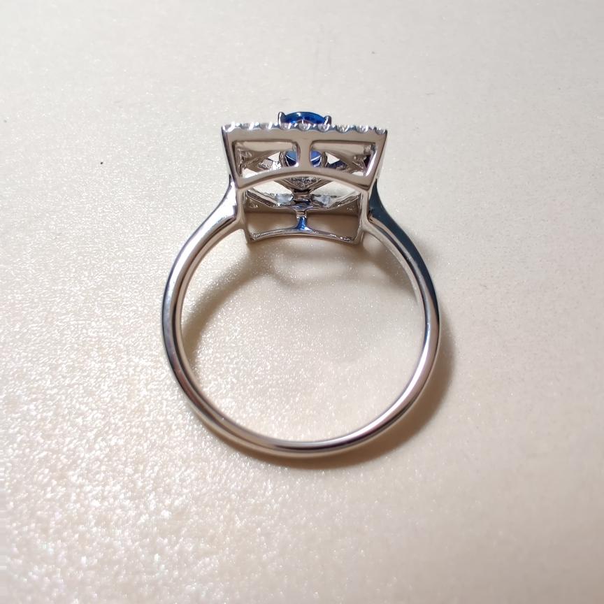 【【戒指】18k金+蓝宝石+钻石  宝石颜色纯正 货重:3.48g  主石:0.59ct  手寸:13】图4