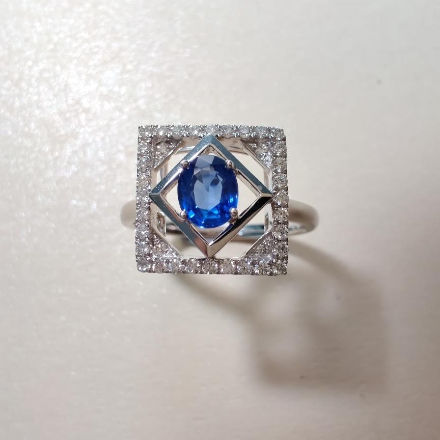 【【戒指】18k金+蓝宝石+钻石  宝石颜色纯正 货重:3.48g  主石:0.59ct  手寸:13】图2