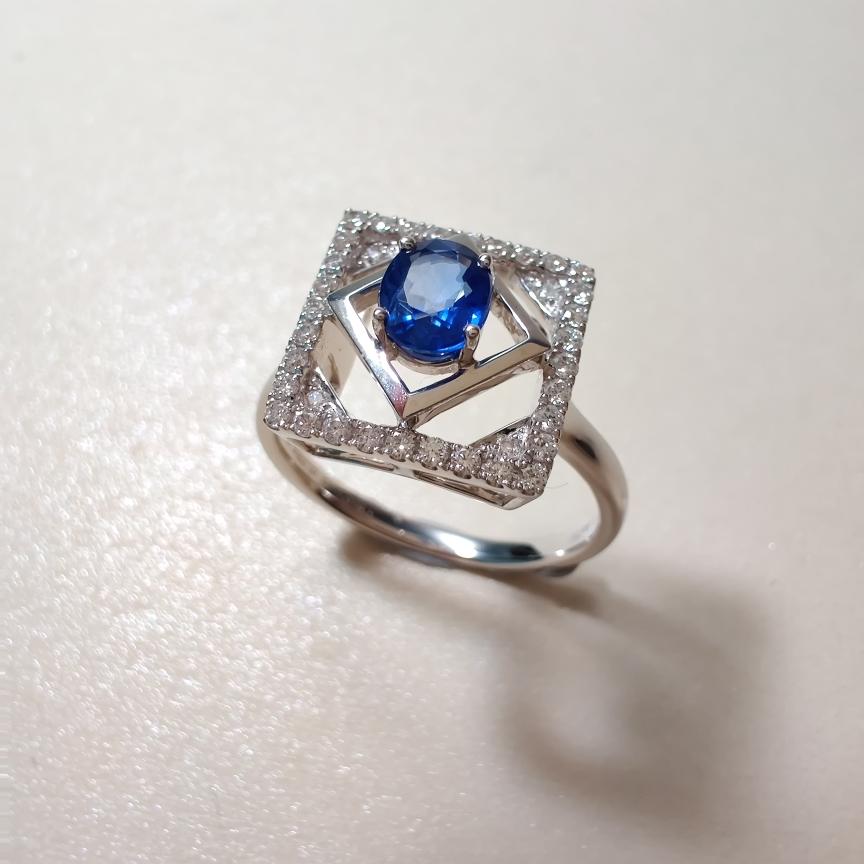 【【戒指】18k金+蓝宝石+钻石  宝石颜色纯正 货重:3.48g  主石:0.59ct  手寸:13】图3