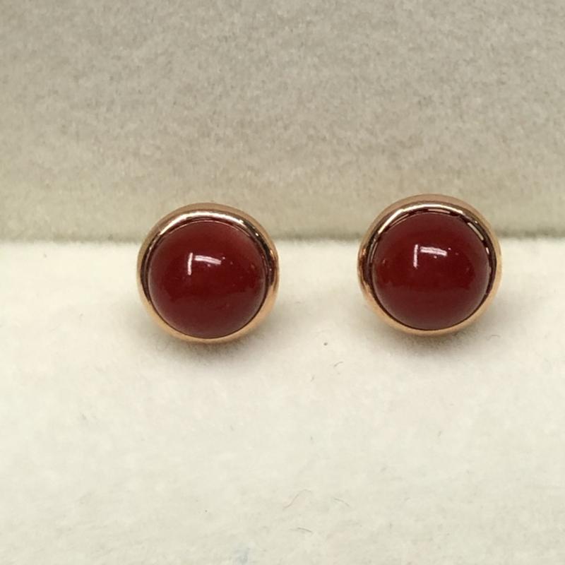 【红珊瑚阿卡圆珠耳钉】纯天然无任何添加,日本阿卡材料!阿卡牛血红色!裸石尺寸6.3*6.3mm,整体