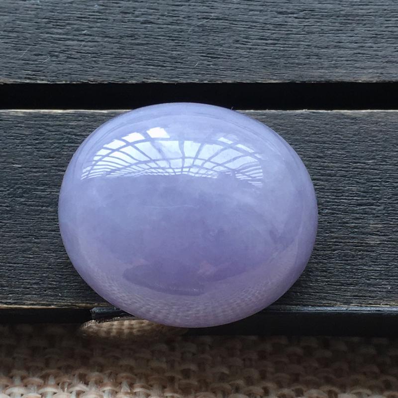 自然光实拍,缅甸a货翡翠,紫罗兰大蛋面,水润玉质细腻,工艺佳,饱满品相佳,