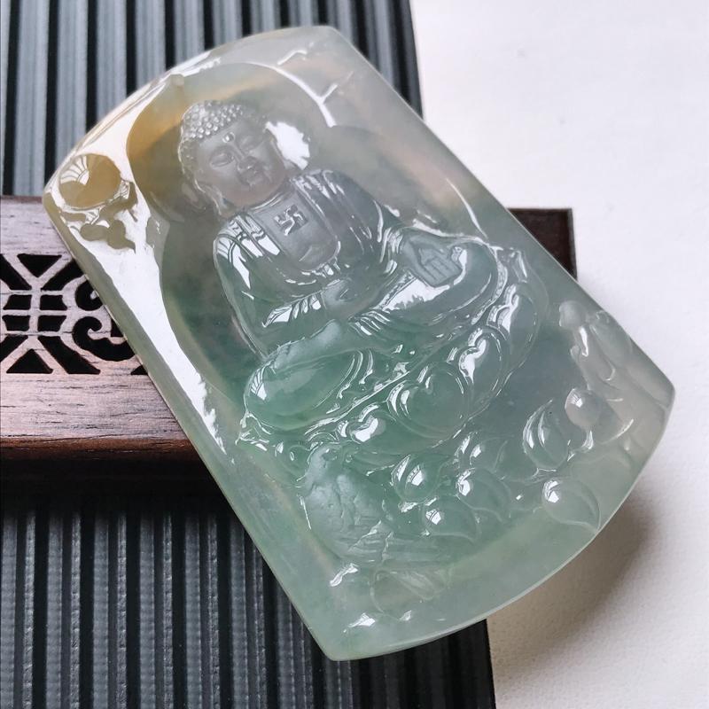 天然翡翠A货冰糯种春带彩精美观音吊坠,尺寸66.5-43.5-6.7mm,玉质细腻,种水好 上身效果