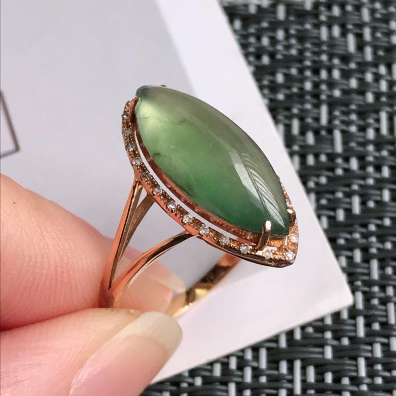 满绿18k金伴钻福气戒指天然翡翠A货,包金尺寸:20.4/10/7.6mm,裸石尺寸:18.2/7.