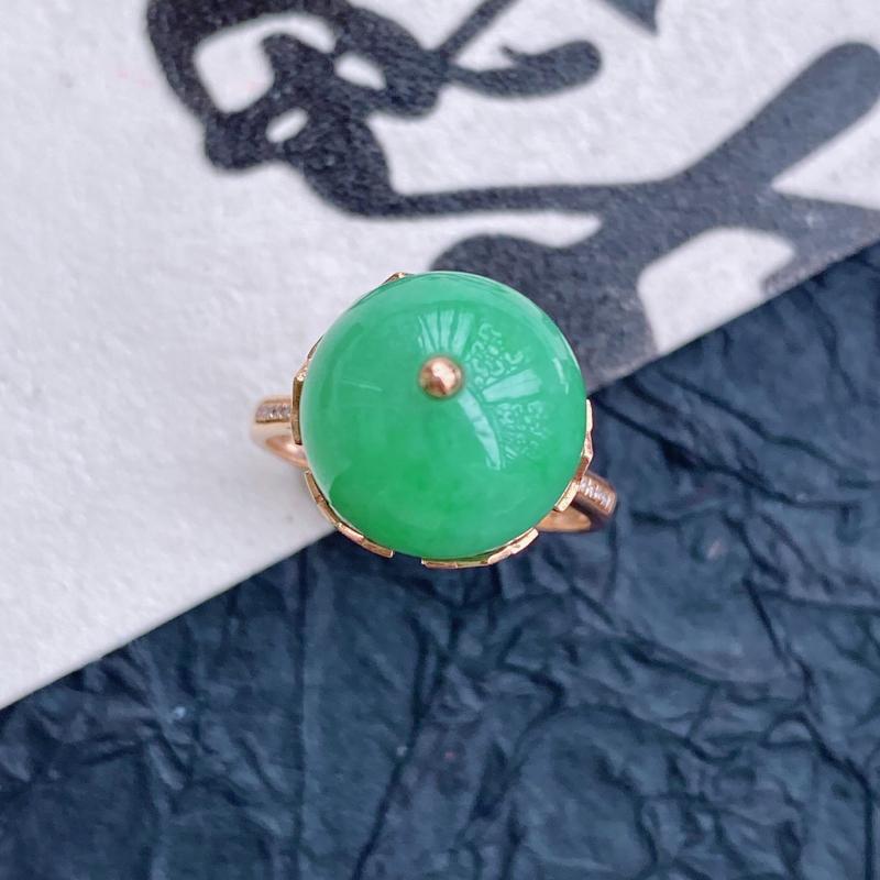 天然翡翠A货镶嵌18k金伴钻福气戒指,内径尺寸:18.1mm,含金尺寸:直径12.6*厚14.2mm