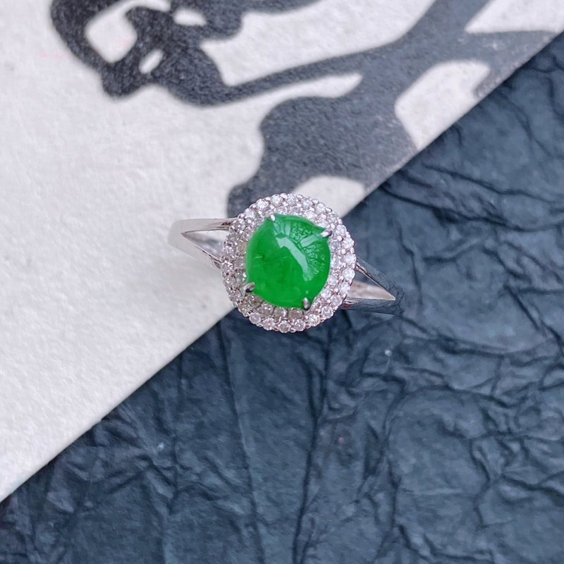 天然翡翠A货镶嵌18k金伴钻福气戒指,内径尺寸:18.7mm,含金尺寸:9.3*9.1*7mm,裸石
