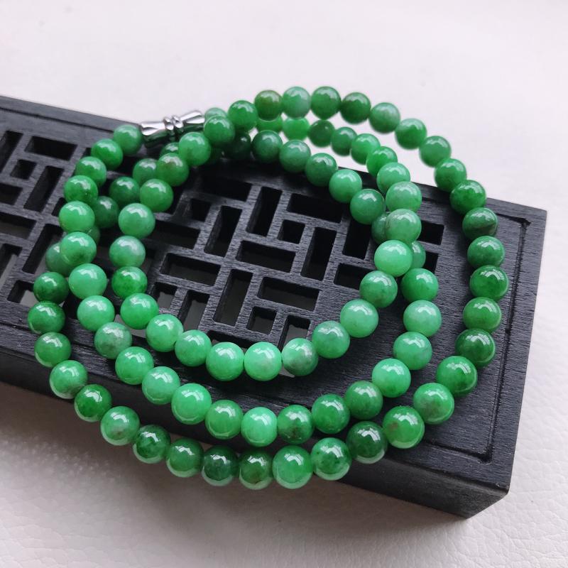糯种满绿圆珠项链,直径5.5,雕工精细 玉质细腻水润,底色漂亮,种水好