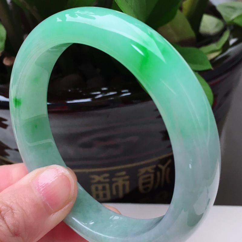 62.3圈口好种水飘阳绿大圈口翡翠手镯,无纹裂,62.3*13.8*9.3mm,重79.34g