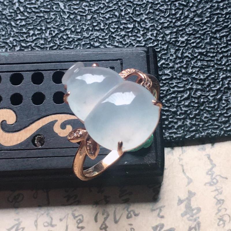 缅甸翡翠17圈口18k金伴钻镶嵌葫芦戒指,自然光实拍,颜色漂亮,玉质莹润,佩戴佳品,内径:17.8m